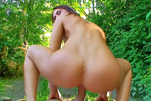 Stylish chick in out door sex session