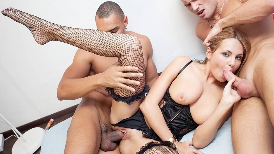 devku-russkoe-sisyastoe-zhestkoe-porno-seks-stseni