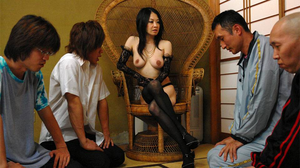 Dominant Japanese slut gets used by many guys