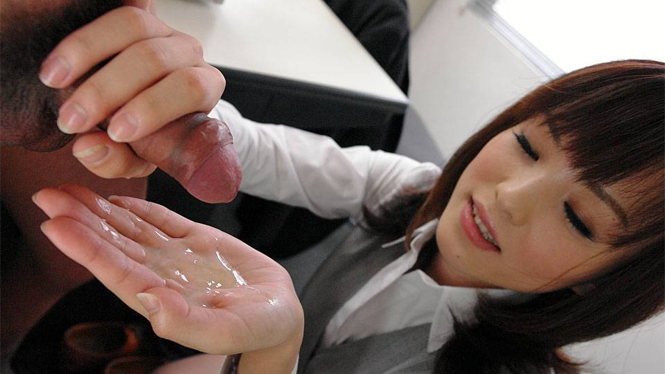 Arisa Suzuki gets really naughy in her office