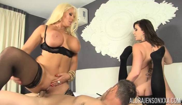3 Girls 1 Cock with Alura Jenson, Sarah Jay, Kimmy Lee and Tommy Utah volumen 2