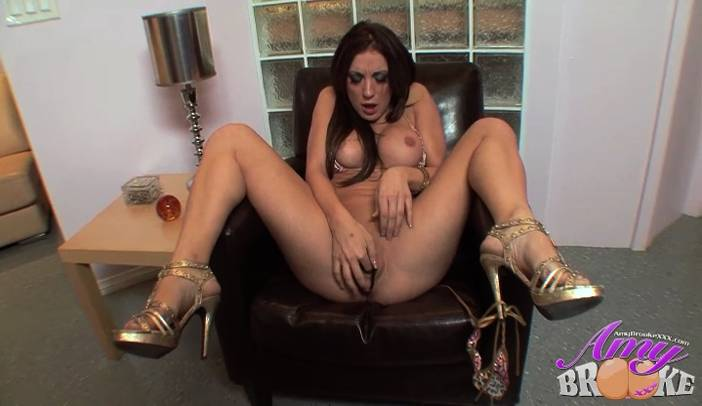 Amy Brooke Finger Fucks Herself Gold High Heals