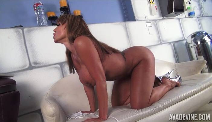 Ava Devine Sucks Cock Live during Cam Show