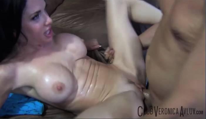 Veronica Avluv Squirts from Porno Dan
