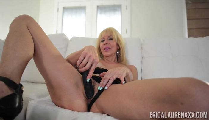 Erica Lauren in Sticking with Large Dildo