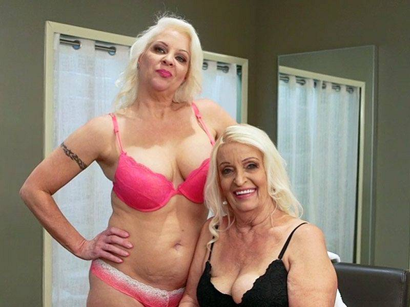 Vikki Vaughn is a mom, and Veronica is her daughter!
