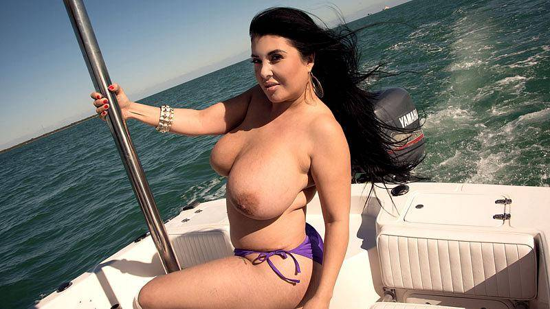 Enormous tits of Daylene Rio