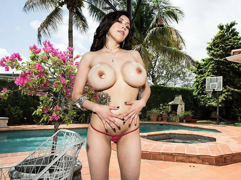 Sweet Bikini Girl