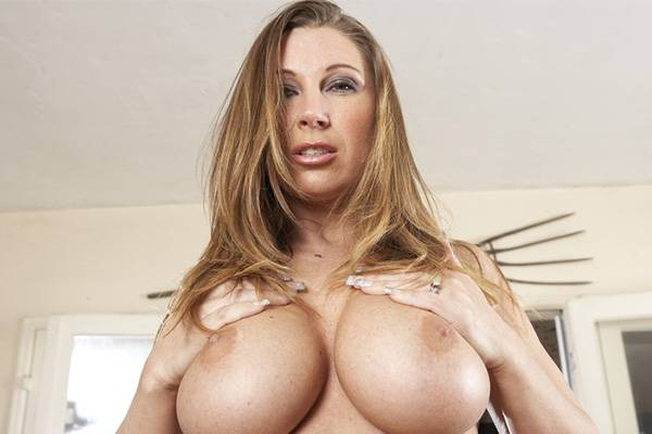 On The Couch – Devon Lee