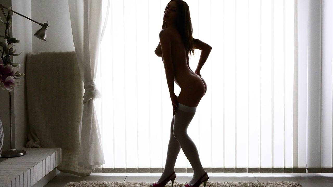 Sexy dancer Lita Phoenix