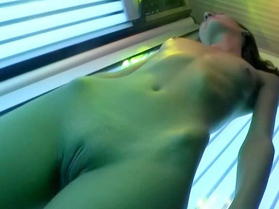 порно видео в солярии - 7