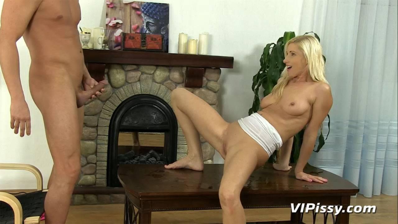 Gorgeous Vanessa Hell fulfills her wet fantasies