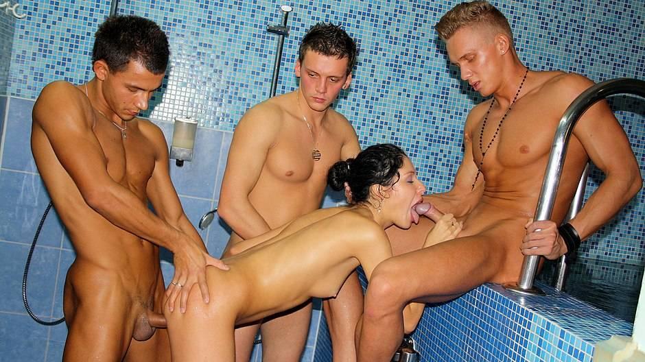 Русские бассейне сауна порно, проститутки на трассе в подольске