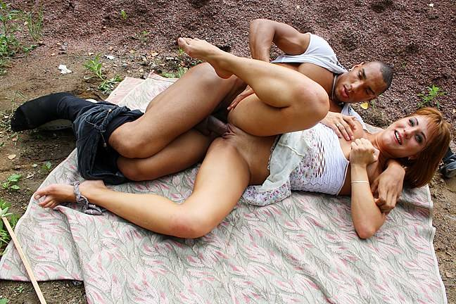 Cash greedy doll gets money for outdoor fuck