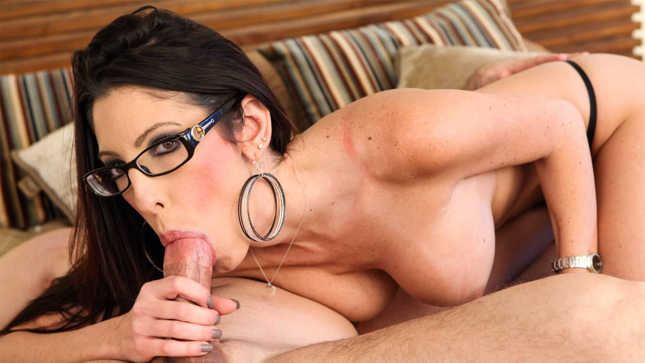 Dava Foxx and John Strong have a blazing fun