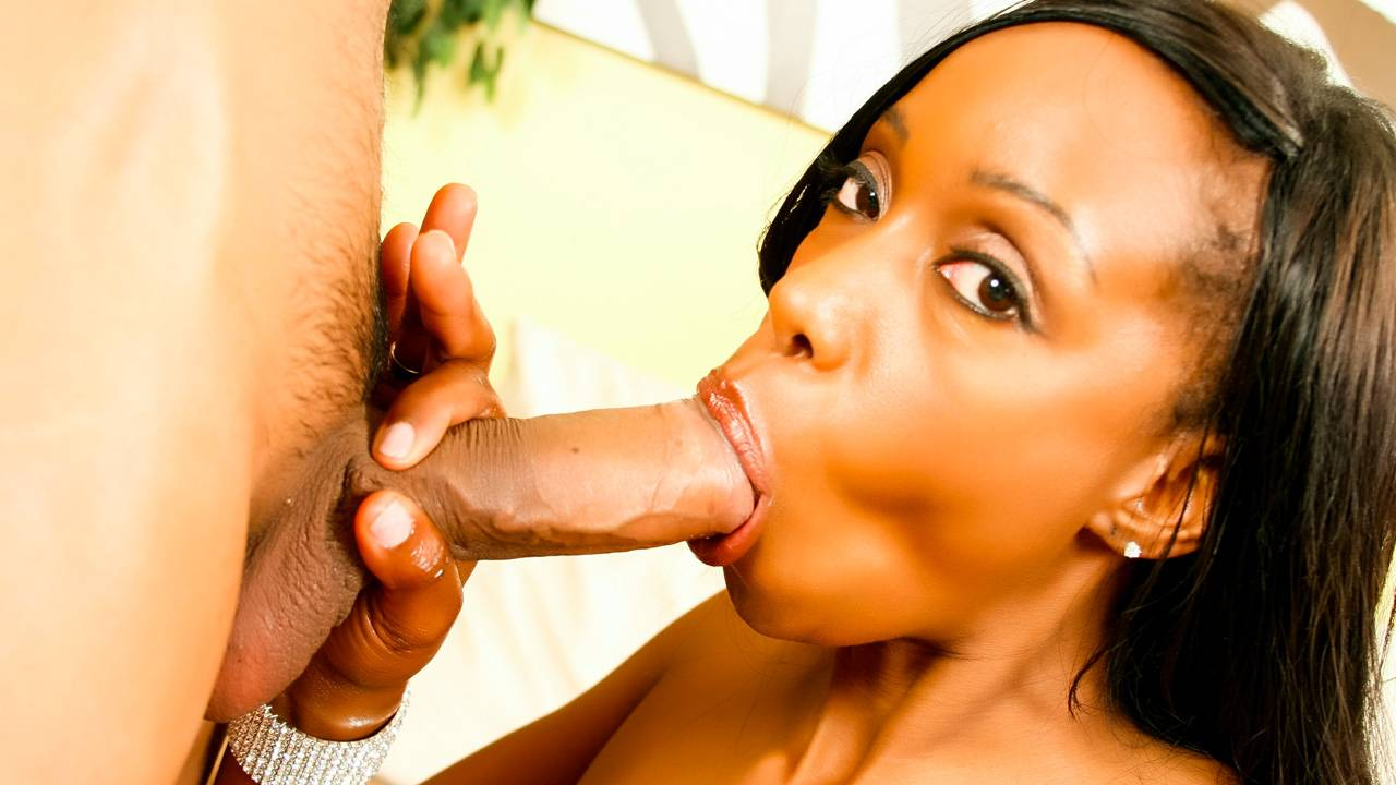 Codi Bryant oils up her ass