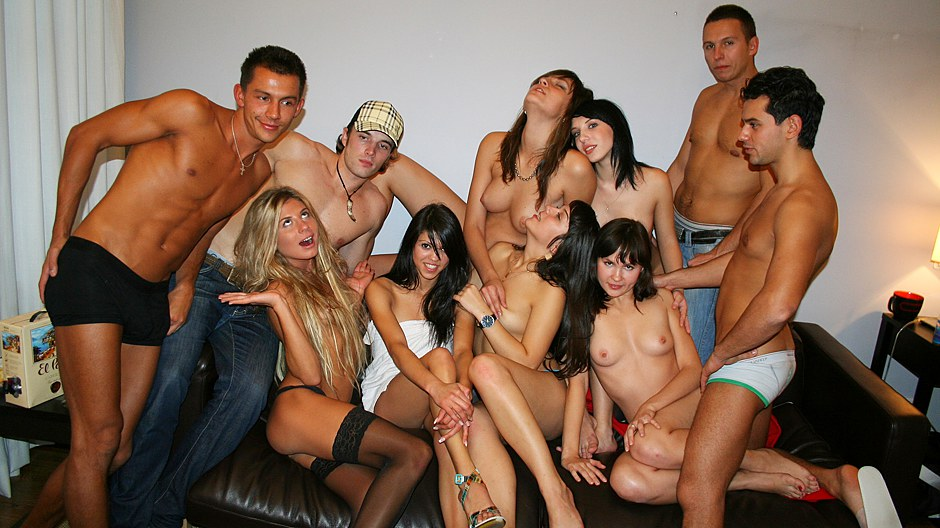 pictures-amatorial-sexy-student-sexting-pussy-close-up