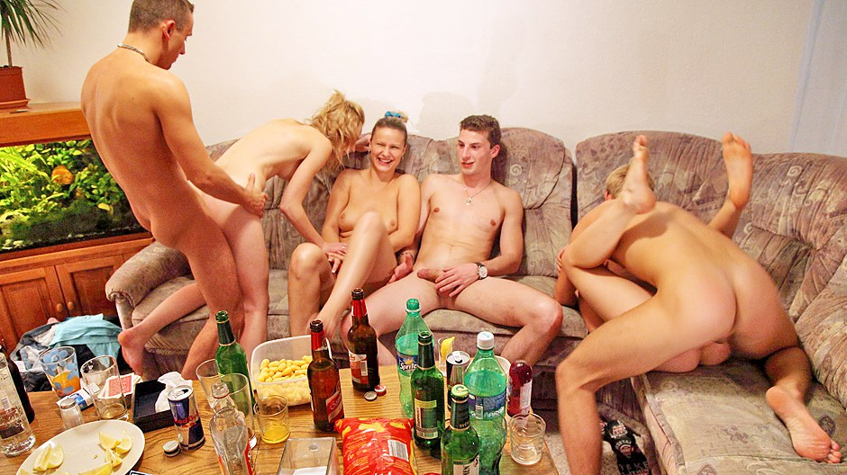 русское порно после гулянки страстно вылизывает